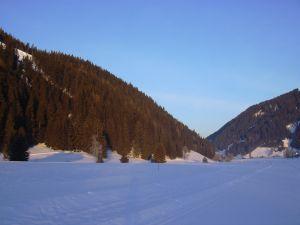 Lyžování a zimní dovolená na horách